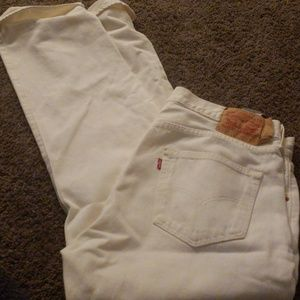 I have a couple pairs of Levi pants. Size 32 an 34